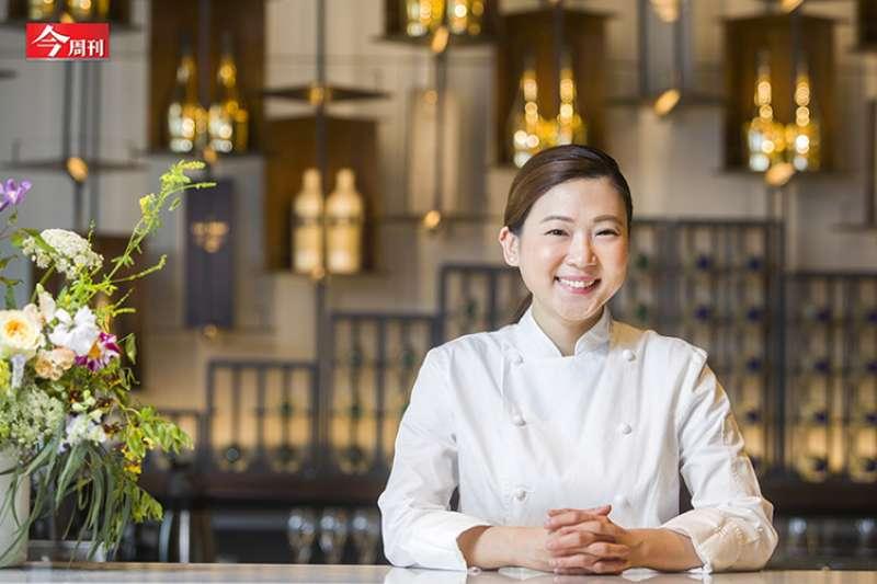新加坡女孩賴思瑩在台灣拿下「2021年亞洲50大最佳甜點主廚」的個人獎項。(今周刊提供)