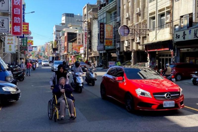 台灣交通太混亂,沒車很不安全?(圖/取自外國倫看台灣)