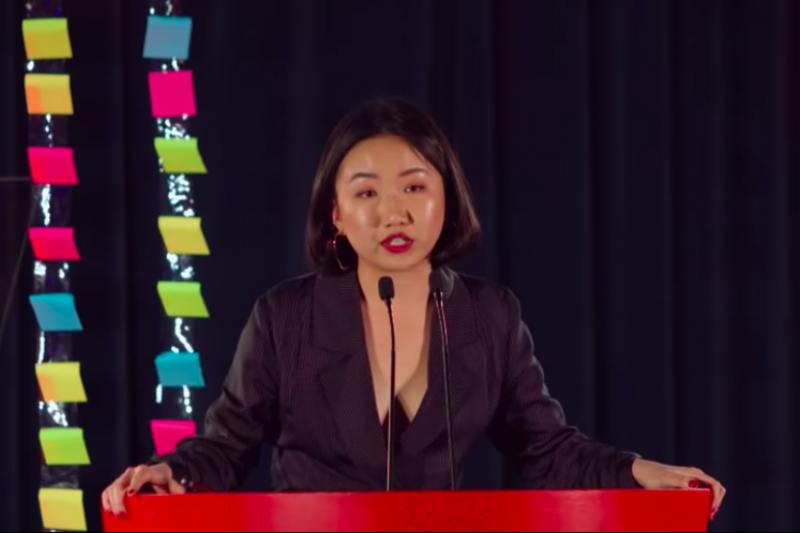 澳籍華裔前記者許秀中,因為持續調查新疆維吾爾人受迫害的事蹟,遭中國國安與網宣單位恐嚇、獵巫。(截自Youtube)