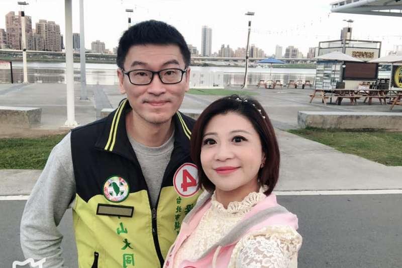台北市議員梁文傑(左起)和太太、立委林楚茵曾數度赴韓國旅遊。(取自林楚茵臉書)