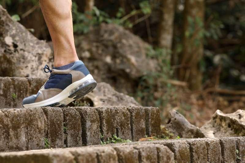 根據統計,台灣五十歲以上女性平均每三位就會有一位罹患骨質疏鬆,髖部骨折。