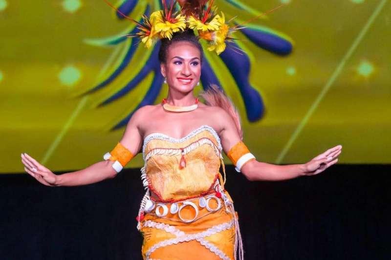 「巴布亞紐幾內亞小姐」梅諾因於TikTok上傳自己的電臀熱舞影片,遭褫奪后冠。(截自Miss PNG Lucy Maino 2019 FB)