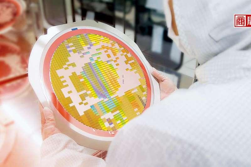 疫情爆發以來,市場對晶片的需求從急凍變超熱,如今各產業的產能,都因晶片供應不足而受阻。(圖片來源/商業周刊,楊文財攝)