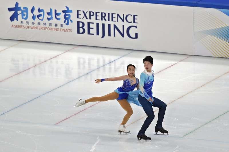 由於新疆、香港的人權狀況與民主危機,是否抵制2022北京冬奧也成為國際社會熱議的話題。(美聯社)