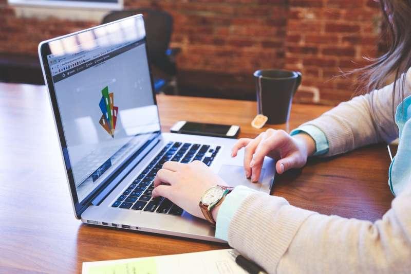 想進入科技產業,「履歷」是人資最為看重的一點。(圖片來源:Pixabay)
