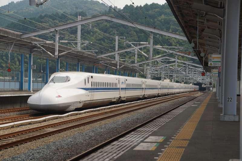 20210409-JR新幹線列車。(盧逸峰攝)