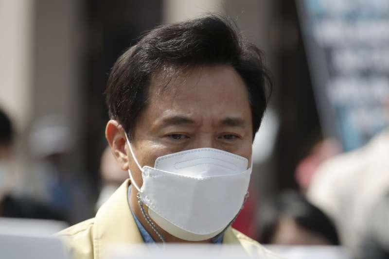 2021年4月10日,南韓疫情再度飆升。(AP)