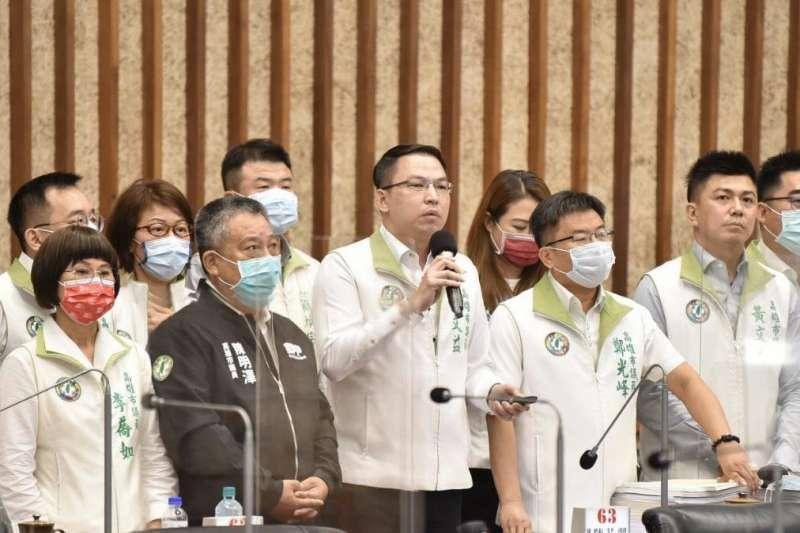 高雄市議會民進黨團肯定市府團隊的努力,未來也將繼續反映民意並全力監督。(圖/高雄市議會提供)