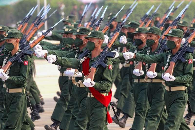 2021年3月27日,緬甸軍人節大閱兵(俄羅斯國防部FB)