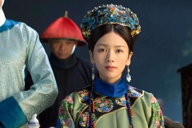 後宮嬪妃的生活看似揮霍奢靡,實際上年薪卻是少得可憐!爭寵也是為了爭錢。(圖/取自IMDb)