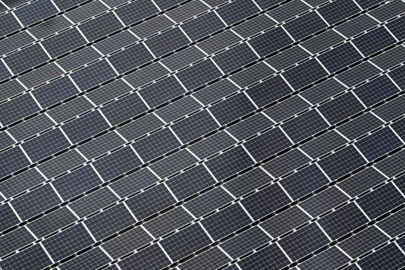 太陽能晶片製造屬於能源密集型產業,目前全球供應鏈極度依賴中國新疆。(Macau Photo Agency@Unsplash)