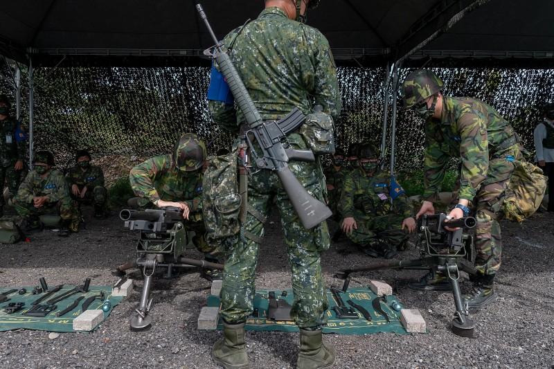 20210414-後備軍人數量為國土防衛作戰的主力,因此後備教召頻次和訓練內容能否落實,將影響整體戰力,國防政策也將其列為重點項目。(總統府flickr提供)