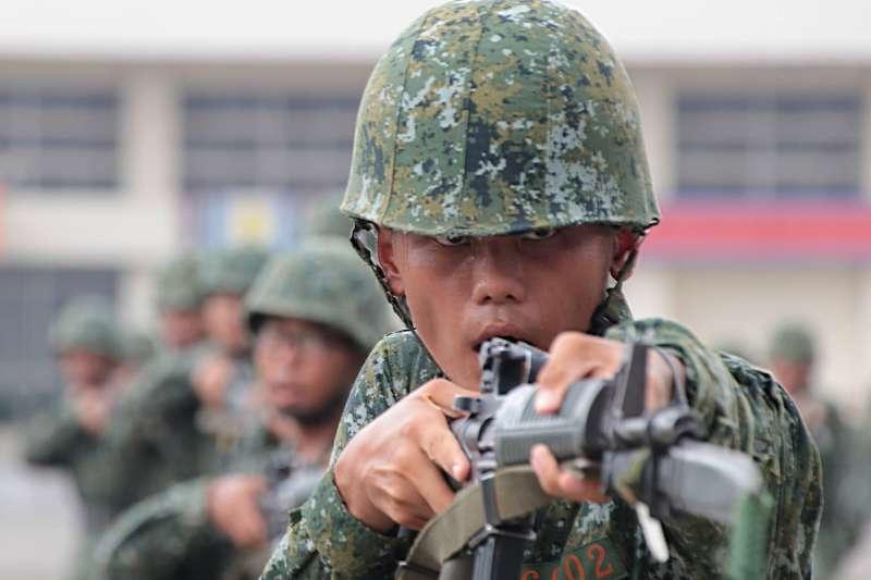 20210414-國軍常被抨擊訓練無法與實戰接軌,特別是在新訓階段的刺槍術。(取自中華民國陸軍臉書)