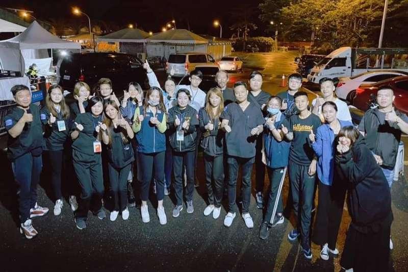 太魯閣遺體修復工作完成,76行者團隊感謝社會大眾的支持與鼓勵,這起讓人心痛的不幸事件,看見許多人用行動力愛台灣。(圖/擷取自76行者遺體美容修復團隊)