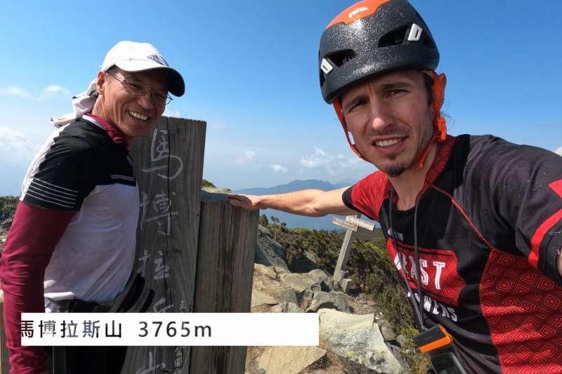 來自捷克的Petr Novotny再創紀錄,以4天半時間完成中央山脈「大南三段」縱走,讓大家看到台灣之美(取自YouTube-Beast Runners)