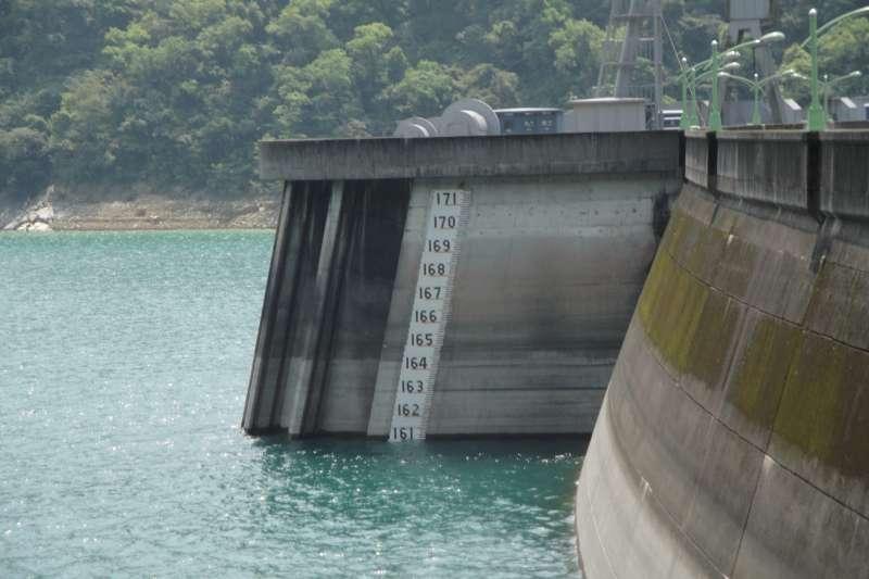 翡翠水庫管理局今(26)日表示,預估翡翠水庫至8月底前供水無虞。((圖/Tzuhsun Hsu@flickr提供)