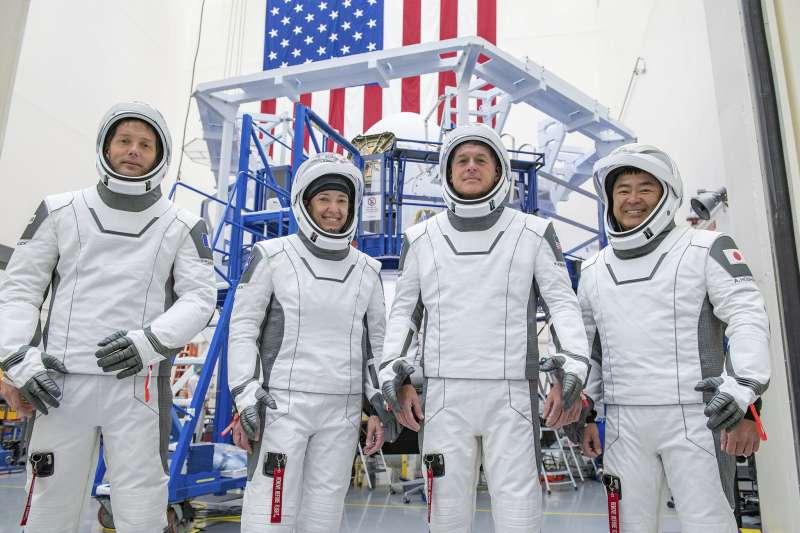 2021年4月,SpaceX「天龍乘員號」(Crew Dragon)第3次任務的太空人(AP)
