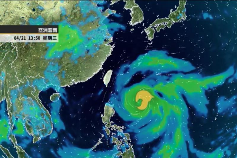強颱舒力基預估外圍氣流將為東半部地區帶來短暫陣雨,也可能間接使中南部山區出現午後雨。(擷取自天氣風險Weather Risk臉書專頁)