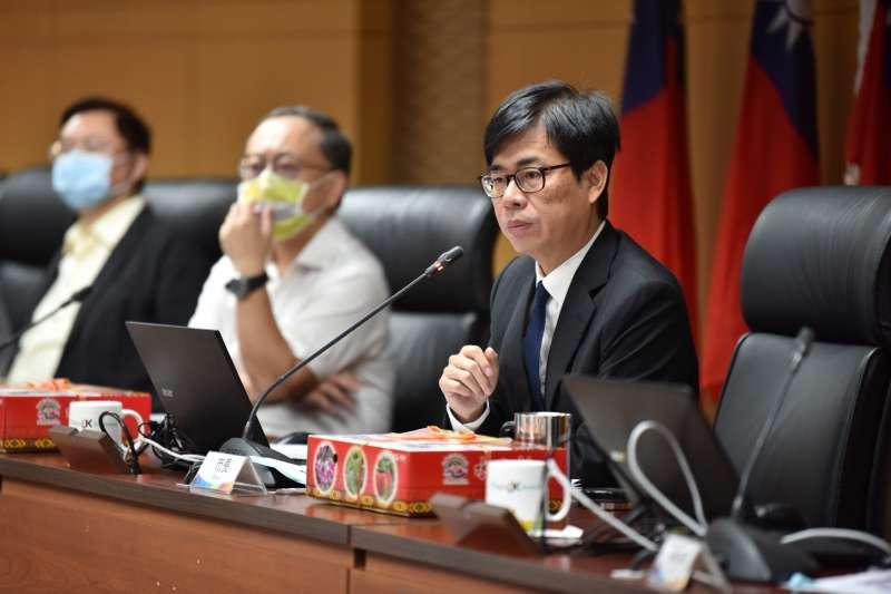 高雄市長陳其邁主持市政會議表示,市府已協調水利署進行水源調度,確保民生用水穩定,並籲民眾共體時艱,共同節水。(圖/高雄市議會提供)