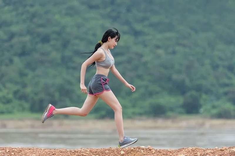 日本最新研究指出,真正瘦身的關鍵是「不要天天運動」。(圖/取自pixabay)