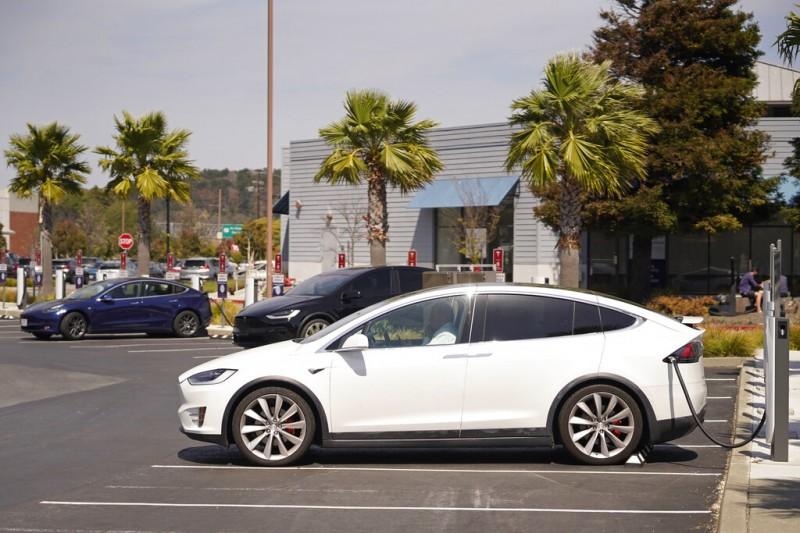 電動車如今蔚為風潮,當以特斯拉為首功。(美聯社)