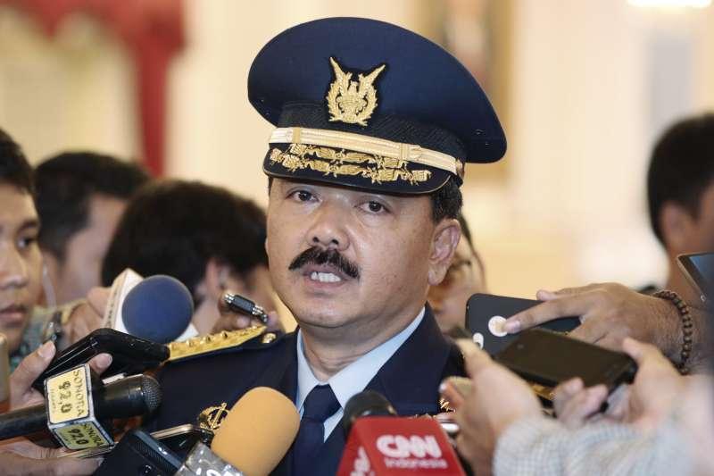 印尼國軍總司令哈迪證實搭載53人的潛艦失聯(AP)