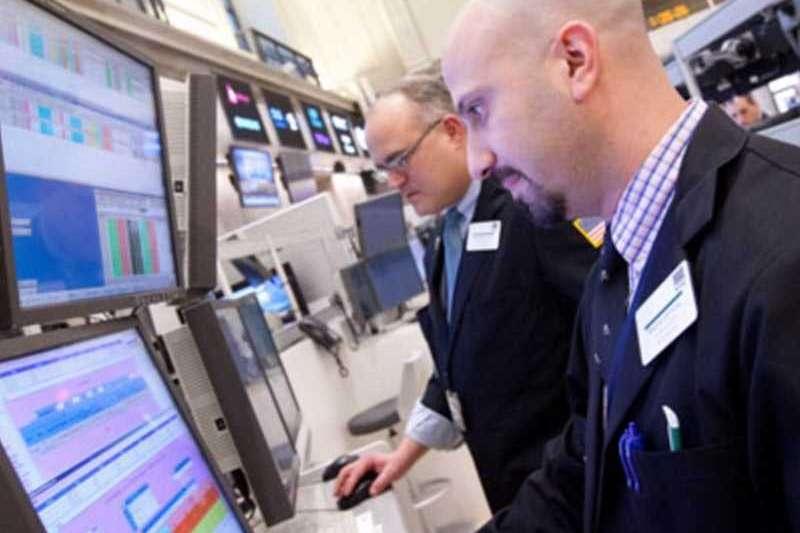 美國企業內部人正在拋售股票,企業內部人賣股相對於買股的比例來到143:1,創新高。(圖片來源/MONEYDJ提供)