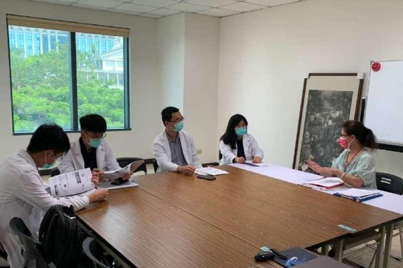 毒防局協助代訓不分科住院醫師,提供「物質濫用疾患課程」。(圖/高雄市毒防局提供)