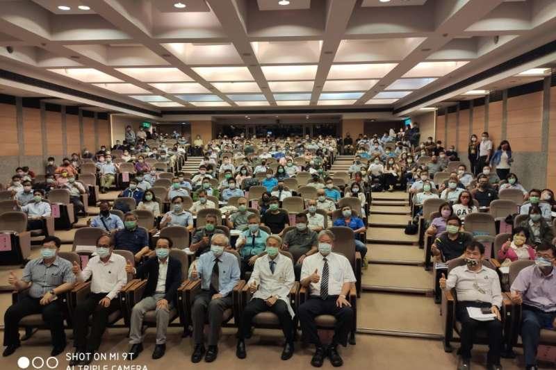 高市府舉辦首次建築工地勞工安全宣導講習會。(圖/高雄市工務局提供)