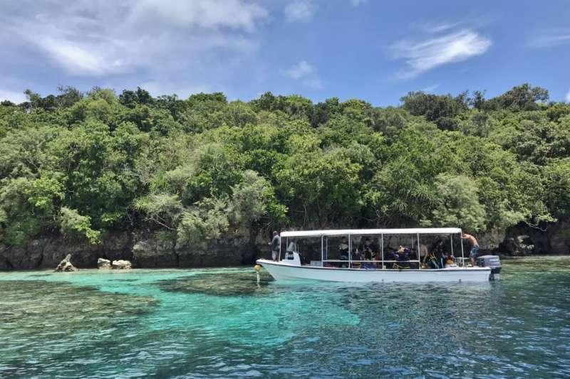 帛琉旅遊泡泡4月啟動,水上遊船活動一景。(雄獅提供)
