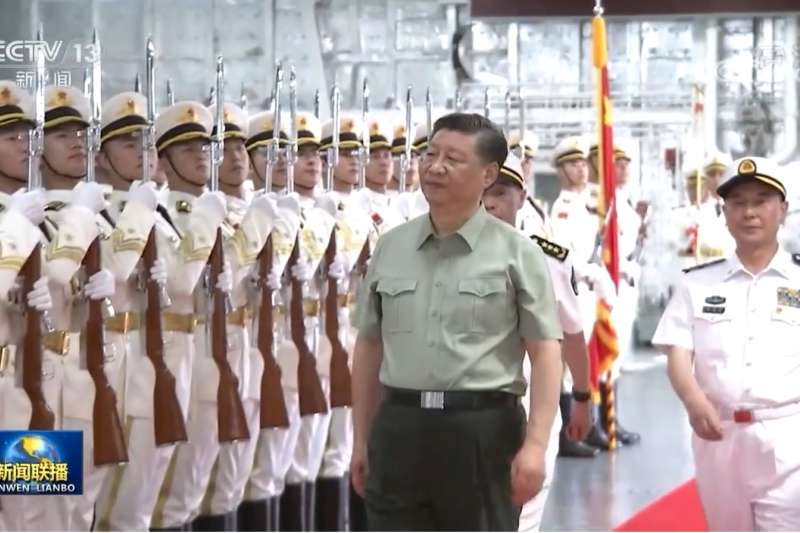 英國雜誌《經濟學人》(The Economist)5月刊封面是台灣,指台灣是「地球上最危險的地方」,一旦台海爆發戰爭,將成為全球大災難。醫師沈政男則稱,中、台都戳破了兩岸關係曖昧的幻象,就是危險所在。(資料照,取自央視)