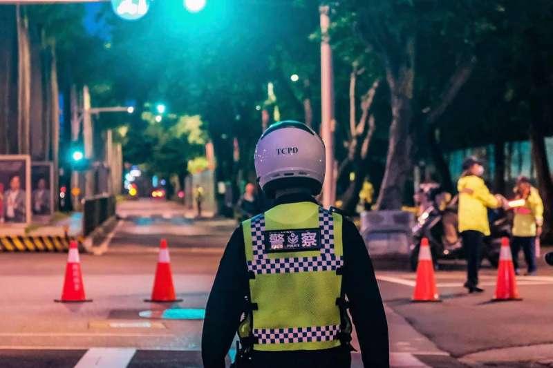 警察最近執法爭議不斷。(圖/取自台北波麗士粉專)
