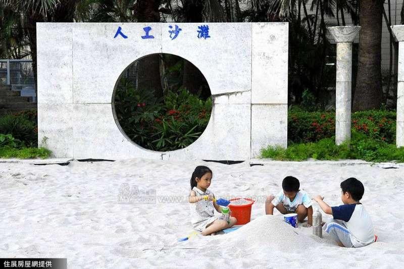 住展房屋網企研室建議,在改革房市、勞動環境等大議題的同時,政府可以參考韓國經驗。(圖/住展房屋網)