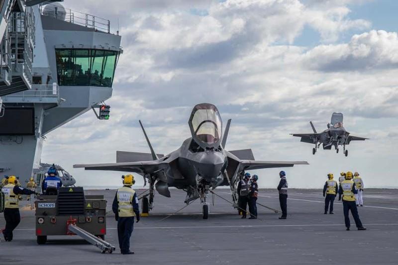 美軍的F-35B戰機去年在英軍「伊莉莎白女王號」航母上進行起降演練。(英國皇家海軍)