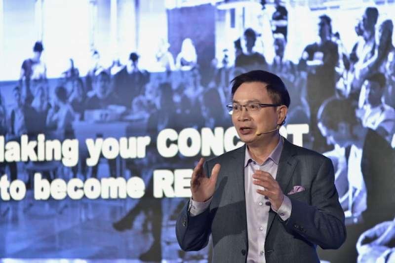 外貿協會董事長黃志芳,號召全球新創業者參與2035 E-Mobility Global Demo Day,期盼業者抓緊未來智慧移動商機,與國際連結。(外貿協會提供)