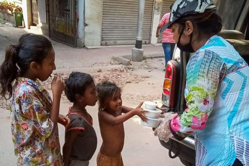 在疫情威脅下,印度世界展望會一直不鬆懈對弱勢兒童及其家庭的服務工作。(圖/台灣世界展望會提供)
