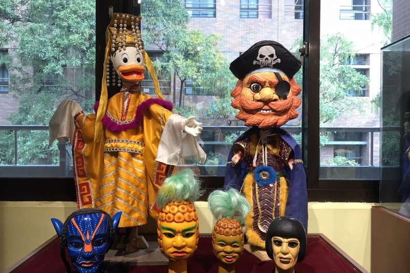 劇團為了與時代對話,特別製作「創意布袋戲」,讓戲偶添加新元素,更年輕有趣。(圖/新北市文化局提供)