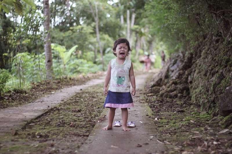 在責備孩子前,你應該先學會傾聽。(圖/取自unsplash)