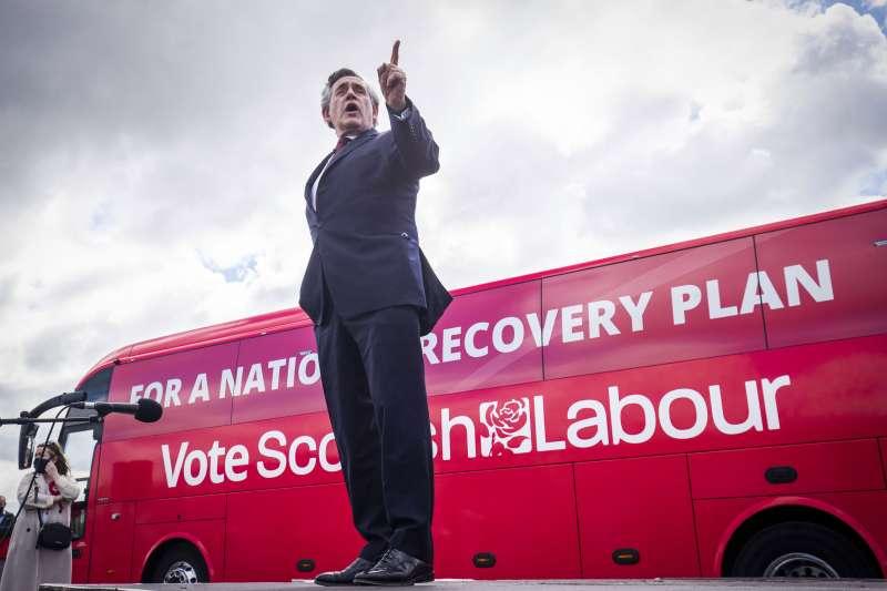 2021年5月,英國前首相布朗(Gordon Brown)帶領工黨投入蘇格蘭議會選舉(AP)