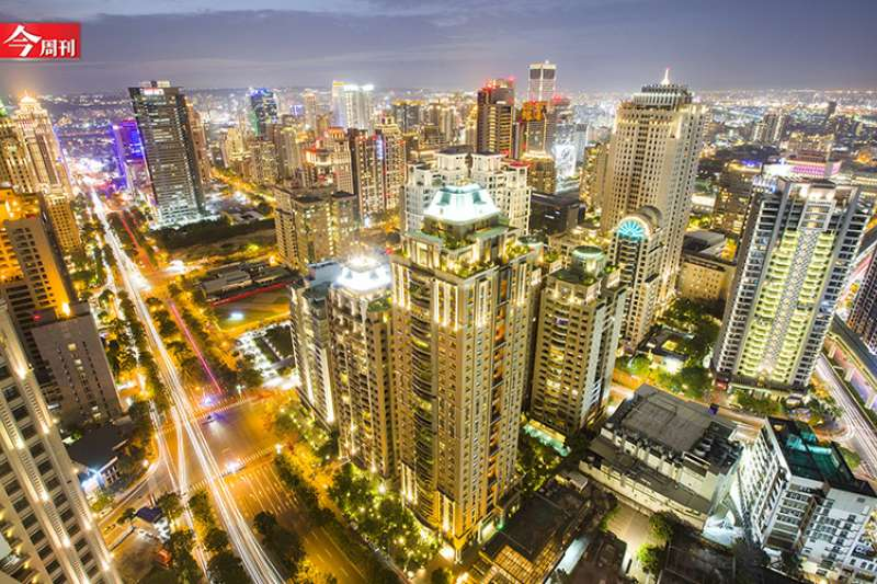 中台灣近年展現驚人的消費力,多個賣場、專櫃都有可觀營收(圖片來源:今周刊提供)