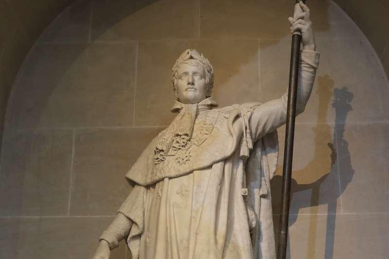 巴黎的拿破崙(Napoleon Bonaparte)雕像(AP)