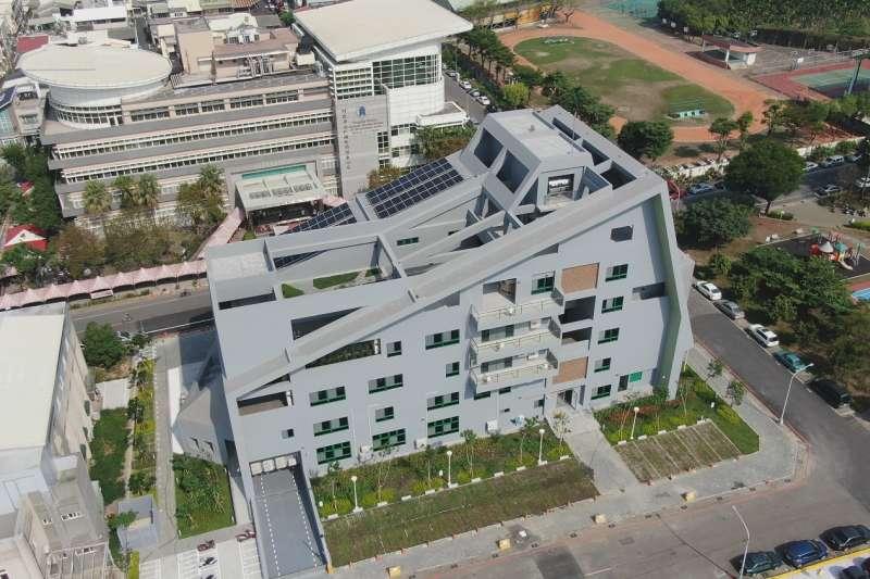 屏東縣政府生態節能大樓10號正式啟用。(圖/屏東縣環保局提供)