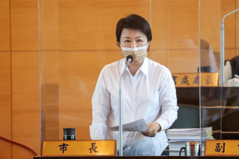 針對中佳電力公司在台中港工業專業區2興建「燃氣複循環發電廠」的申請案,盧秀燕出席台中市議會討論。(台中市政府提供)