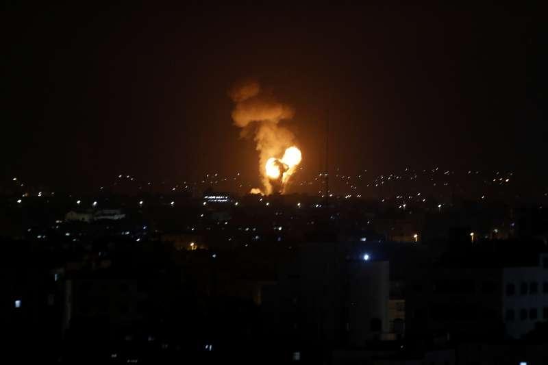 以色列11日凌晨空襲加薩走廊,導致至少20名巴勒斯坦人喪生(美聯社)