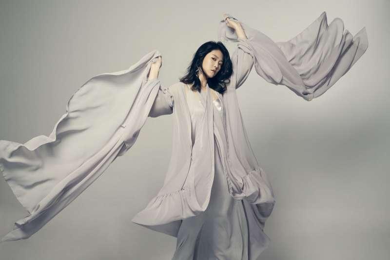 20210512-歌手曹雅雯以專輯《自本》入圍最佳台語女歌手等8獎項。(好聞娛樂提供)