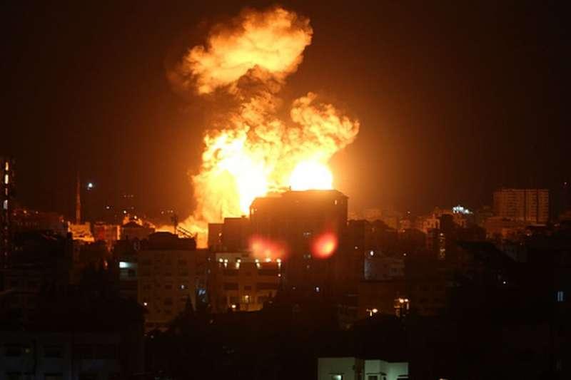 以色列對加薩進行多次猛烈的空襲。(BBC中文網)