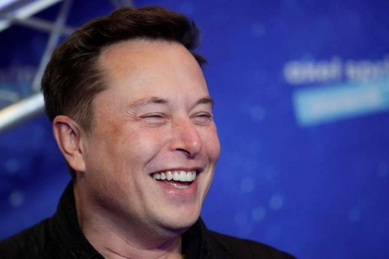 特斯拉執行長馬斯克原本力挺加密貨幣,近日突然因環保因素,禁止使用比特幣購買特斯拉汽車。(Getty Images/BBC中文網)