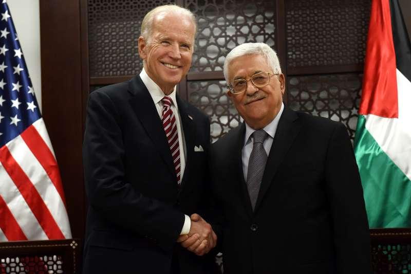 2016年3月9日,時任美國副總統拜登與巴勒斯坦自治政府主席阿巴斯會面(資料照,AP)
