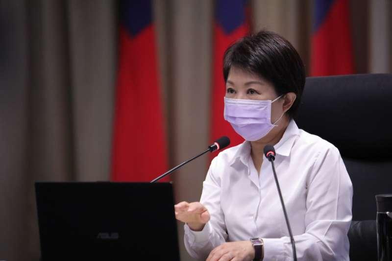 台中市政府市政會議中,對於業者停業配合防疫作業,盧市長表示感謝。(圖/台中市政府)