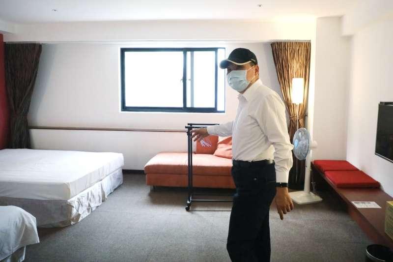 近來新北市長侯友宜(見圖)被綠營攻擊,新北防疫旅館僅台北市的6分之1。(資料照,新北市衛生局提供)
